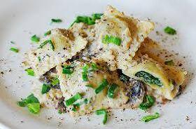 Spinach Ravioli in Cream Cheese Pasta