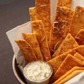 Baked Pizza Sticks With A Cheesy Jalapeño Dip